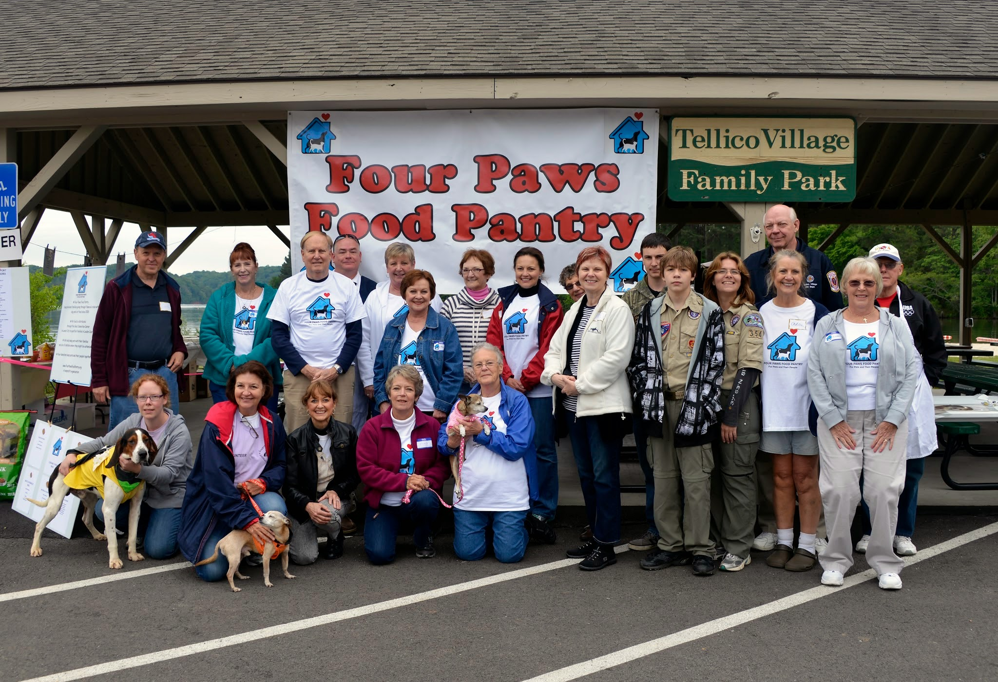 Four Paws provides pet food to needy Loudon County families