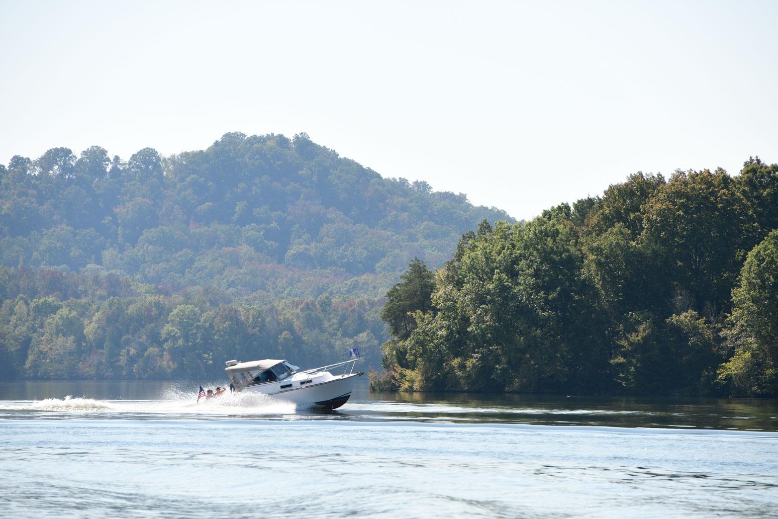 Boating on Tellico Lake